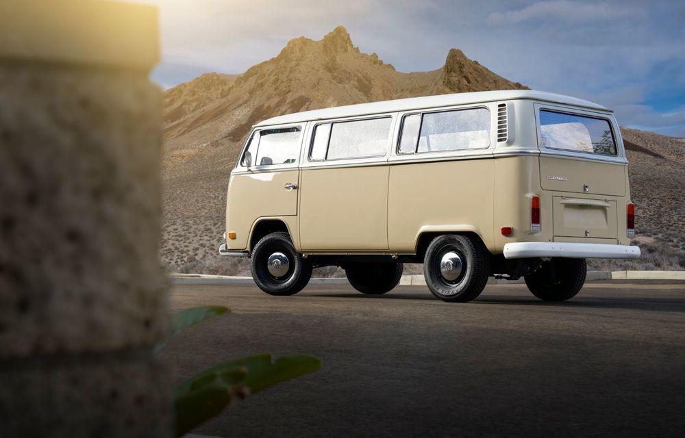 Un Volkswagen Type 2 din 1972 a fost transformat în vehicul electric: motor de 136 de cai putere și autonomie de 200 de kilometri - Poza 5