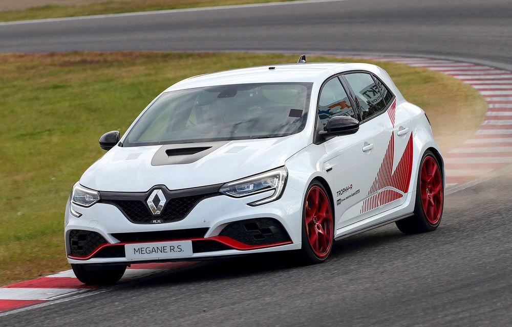 Renault Megane RS Trophy-R cucerește circuitul de la Suzuka: Hot Hatch-ul francez a devenit cel mai rapid model de serie cu roți motrice față de pe circuitul nipon - Poza 1