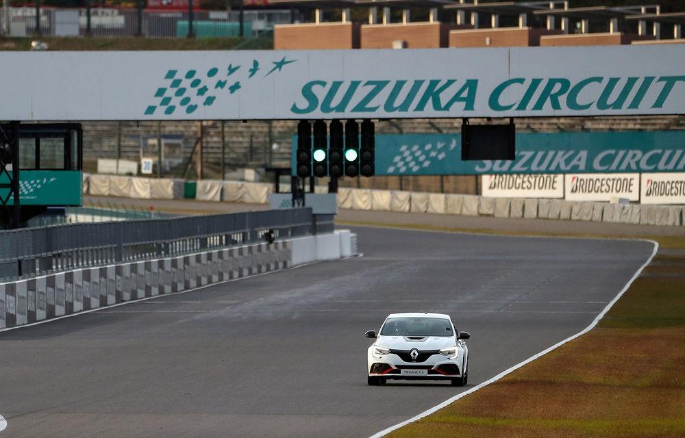 Renault Megane RS Trophy-R cucerește circuitul de la Suzuka: Hot Hatch-ul francez a devenit cel mai rapid model de serie cu roți motrice față de pe circuitul nipon - Poza 2