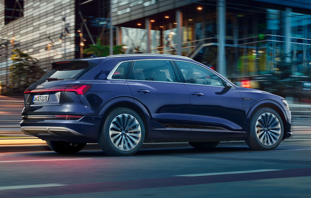 Îmbunătățiri pentru SUV-ul electric Audi e-tron: autonomie mai mare și pachet exterior S Line - Poza 2