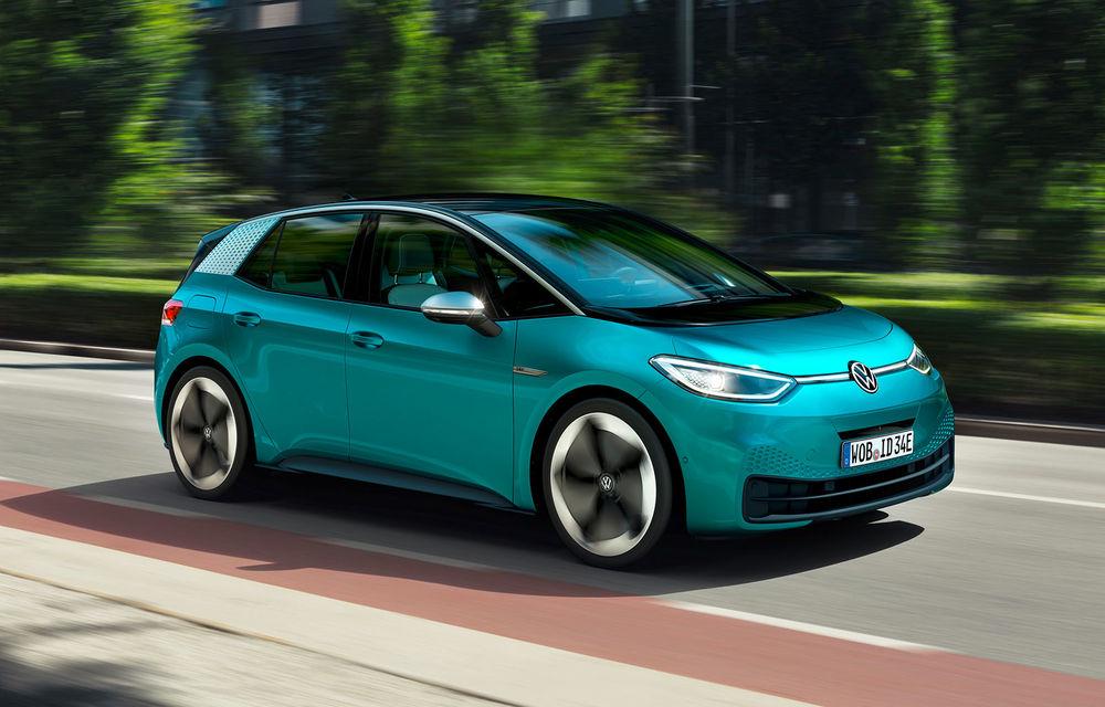 Volkswagen ID.3 ajunge în România: hatchback-ul electric va fi expus la Băneasa Shopping City în 30 noiembrie și 1 decembrie - Poza 1
