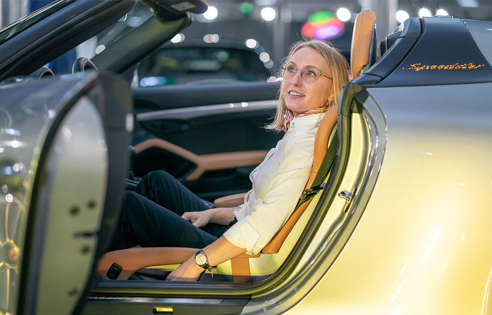 Țiriac Collection s-a îmbogățit cu două exemplare ale ediției limitate Porsche 911 Speedster - Poza 3