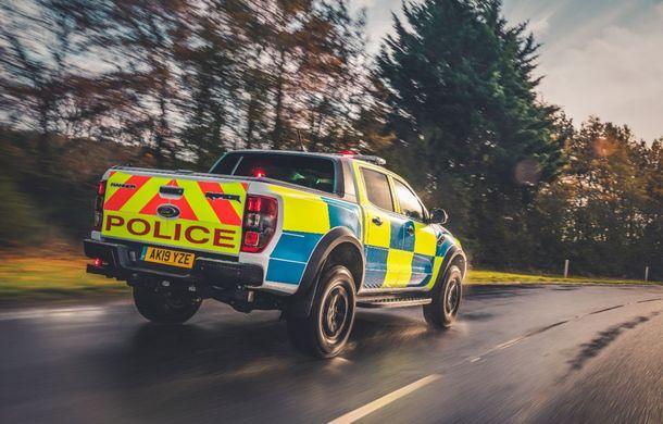 Pentru urmăriri în off-road: pick-up-ul sport Ford Ranger Raptor intră în flota poliției din Marea Britanie - Poza 3
