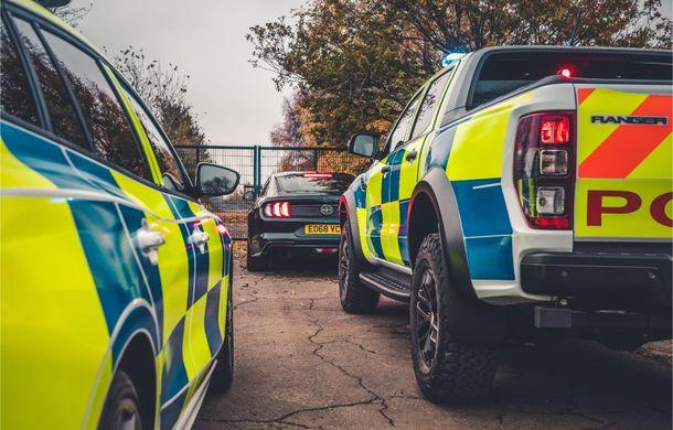 Pentru urmăriri în off-road: pick-up-ul sport Ford Ranger Raptor intră în flota poliției din Marea Britanie - Poza 19
