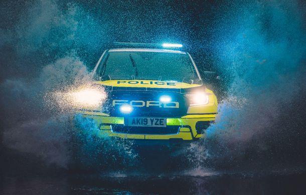 Pentru urmăriri în off-road: pick-up-ul sport Ford Ranger Raptor intră în flota poliției din Marea Britanie - Poza 7