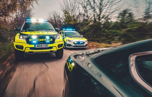 Pentru urmăriri în off-road: pick-up-ul sport Ford Ranger Raptor intră în flota poliției din Marea Britanie - Poza 17