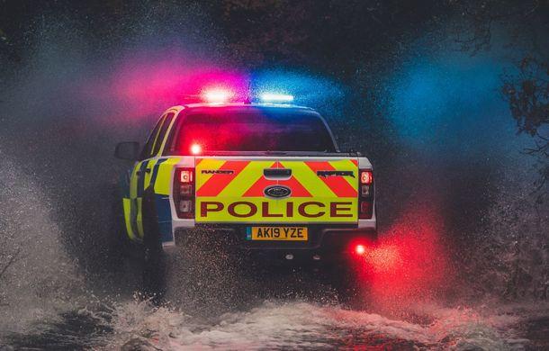 Pentru urmăriri în off-road: pick-up-ul sport Ford Ranger Raptor intră în flota poliției din Marea Britanie - Poza 8
