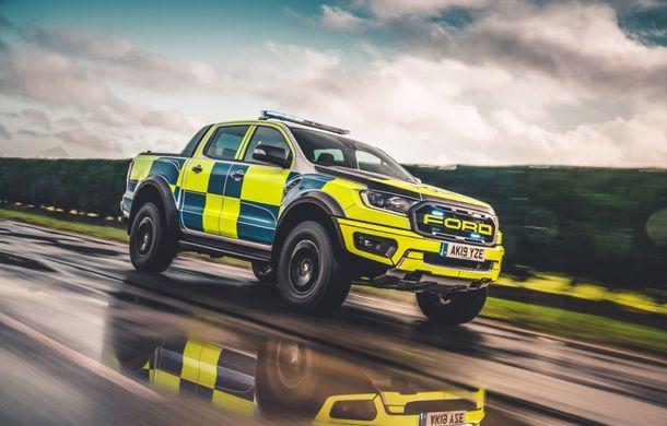 Pentru urmăriri în off-road: pick-up-ul sport Ford Ranger Raptor intră în flota poliției din Marea Britanie - Poza 2