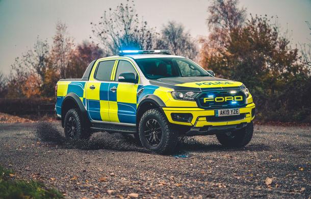 Pentru urmăriri în off-road: pick-up-ul sport Ford Ranger Raptor intră în flota poliției din Marea Britanie - Poza 1