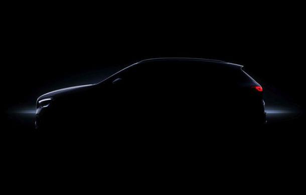 Prima imagine cu interiorul viitorului Mercedes-Benz GLA: SUV-ul producătorului german va fi prezentat în 11 decembrie - Poza 2