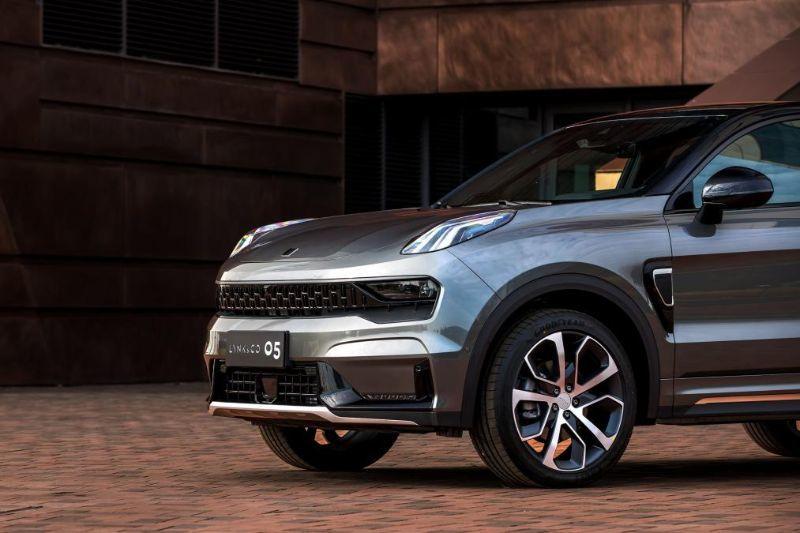 Chinezii de la Lynk&Co au prezentat noul 05: SUV-ul coupe va avea și versiune plug-in hybrid - Poza 11