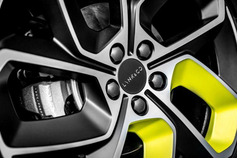 Chinezii de la Lynk&Co au prezentat noul 05: SUV-ul coupe va avea și versiune plug-in hybrid - Poza 13