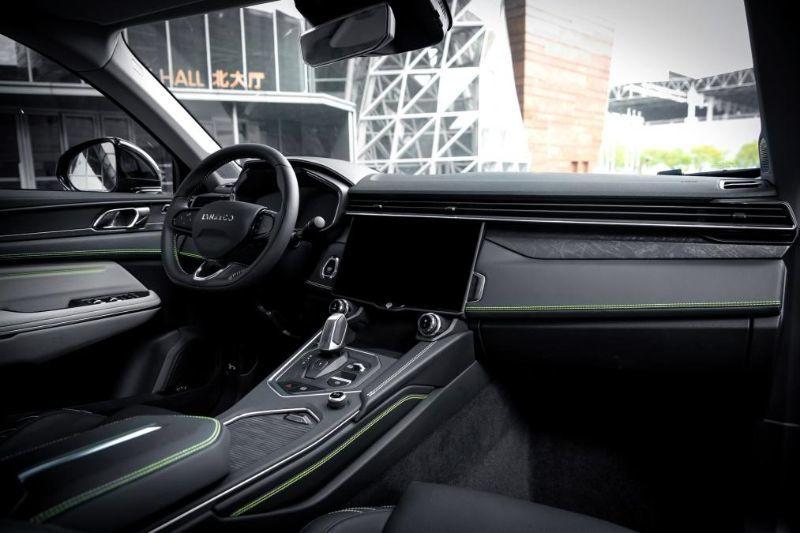 Chinezii de la Lynk&Co au prezentat noul 05: SUV-ul coupe va avea și versiune plug-in hybrid - Poza 15