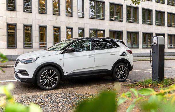 Opel introduce o nouă versiune plug-in hybrid în gama Grandland X: SUV-ul dezvoltă 224 CP și promite o autonomie electrică de până la 57 de kilometri - Poza 5