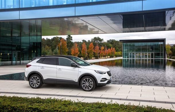 Opel introduce o nouă versiune plug-in hybrid în gama Grandland X: SUV-ul dezvoltă 224 CP și promite o autonomie electrică de până la 57 de kilometri - Poza 2