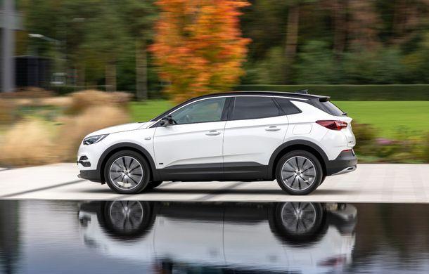 Opel introduce o nouă versiune plug-in hybrid în gama Grandland X: SUV-ul dezvoltă 224 CP și promite o autonomie electrică de până la 57 de kilometri - Poza 4