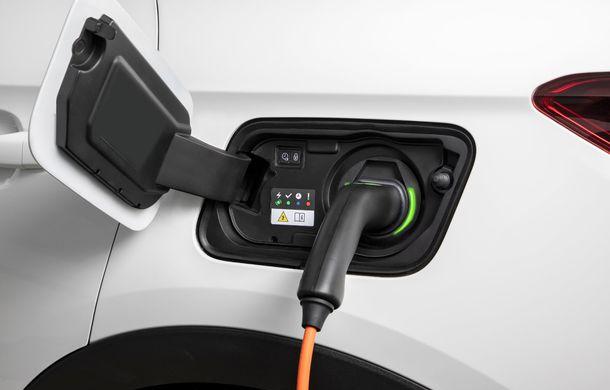 Opel introduce o nouă versiune plug-in hybrid în gama Grandland X: SUV-ul dezvoltă 224 CP și promite o autonomie electrică de până la 57 de kilometri - Poza 6