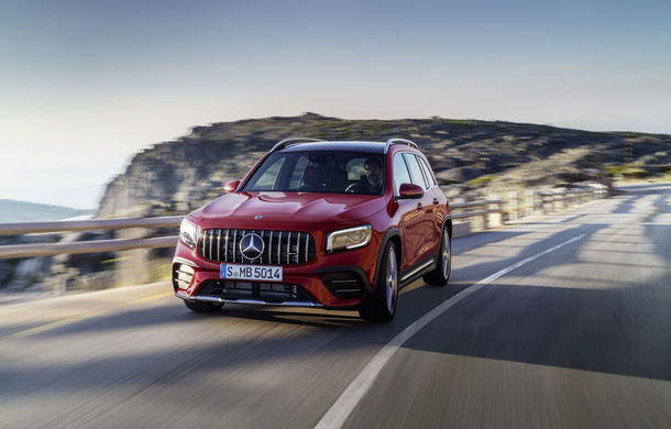 Mercedes-AMG GLB 35 poate fi comandat în România: SUV-ul compact cu șapte locuri are un preț de pornire de 57.000 de euro - Poza 1
