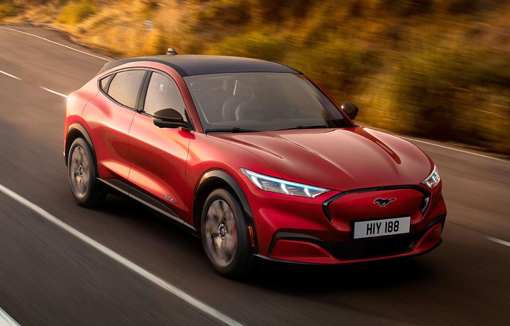 Ford vrea să extindă gama de modele electrice Mustang: următorul pe listă este un SUV mai mic decât Mach-E pe platforma Volkswagen - Poza 1