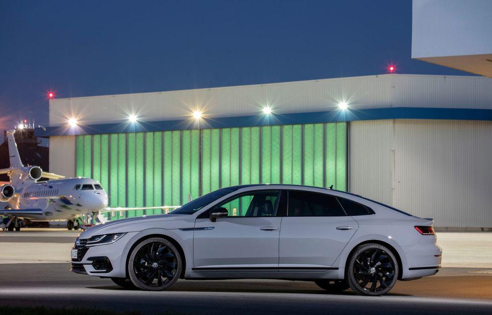 Volkswagen lansează Arteon R-Line Edition: modelul propune elemente speciale de caroserie și echipamente suplimentare pentru interior - Poza 8