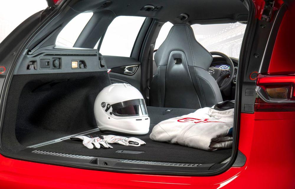 Opel Insignia facelift a fost prezentat la Bruxelles: motorizări diesel și benzină cu puteri cuprinse între 122 și 200 CP. Versiunea GSi propune 230 CP și cutie automată cu 9 trepte - Poza 13