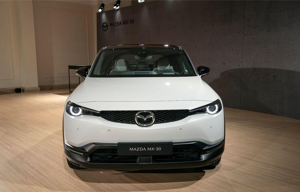 Mazda MX-30 sub lupă: am condus prototipul primului model electric Mazda - Poza 40