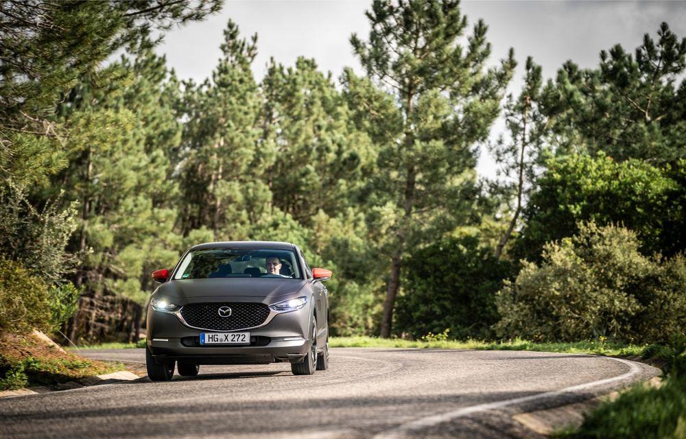 Mazda MX-30 sub lupă: am condus prototipul primului model electric Mazda - Poza 11