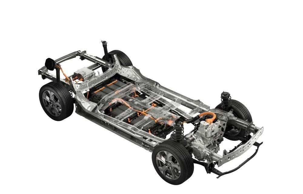 Mazda MX-30 sub lupă: am condus prototipul primului model electric Mazda - Poza 31