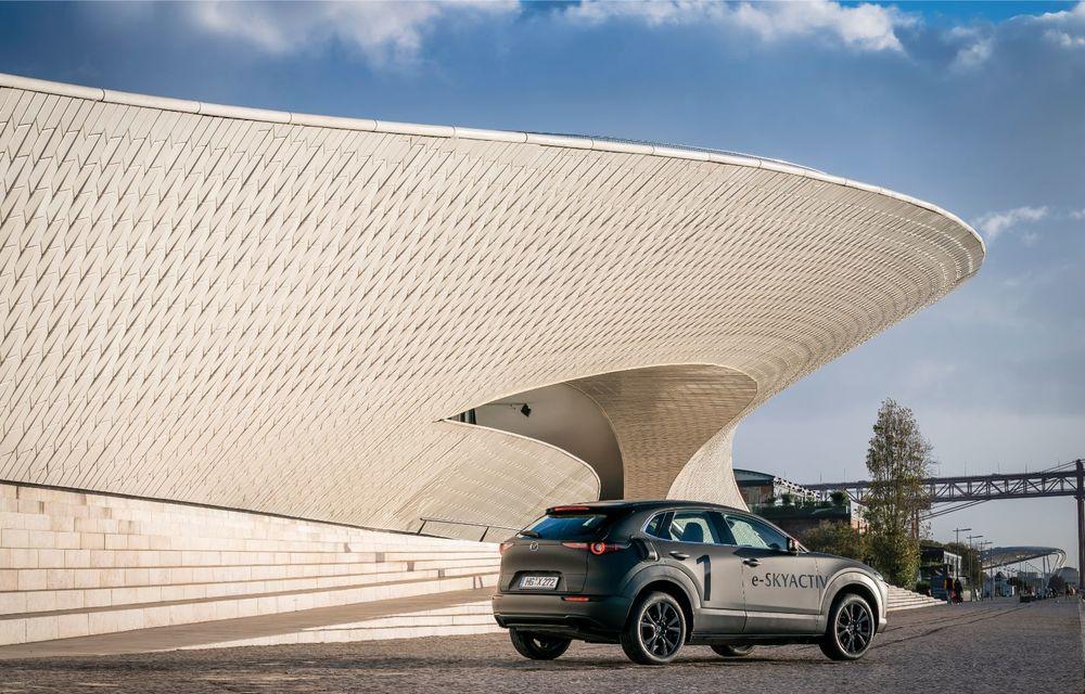 Mazda MX-30 sub lupă: am condus prototipul primului model electric Mazda - Poza 26