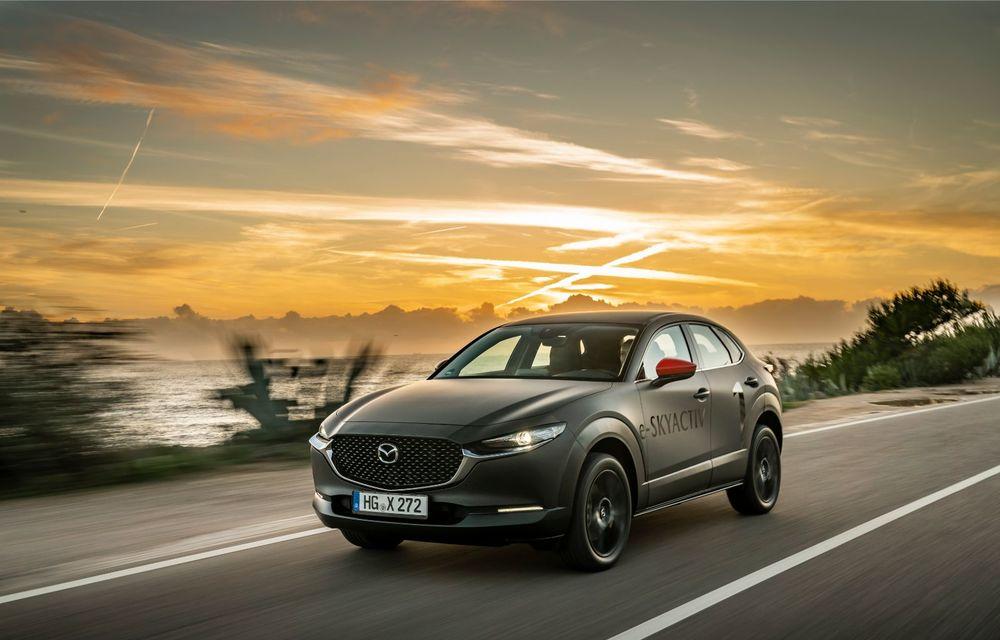 Mazda MX-30 sub lupă: am condus prototipul primului model electric Mazda - Poza 2