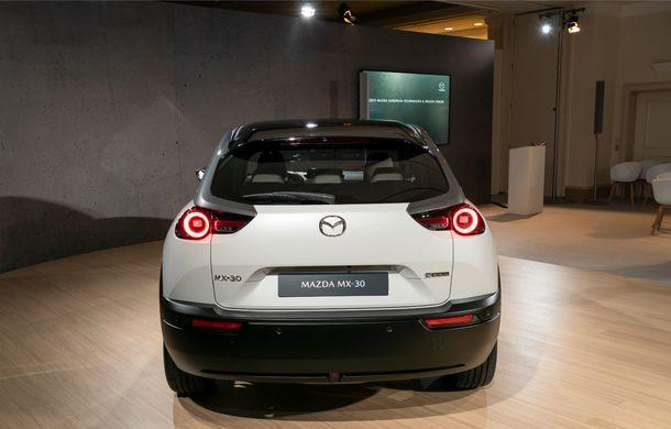 Mazda MX-30 sub lupă: am condus prototipul primului model electric Mazda - Poza 41