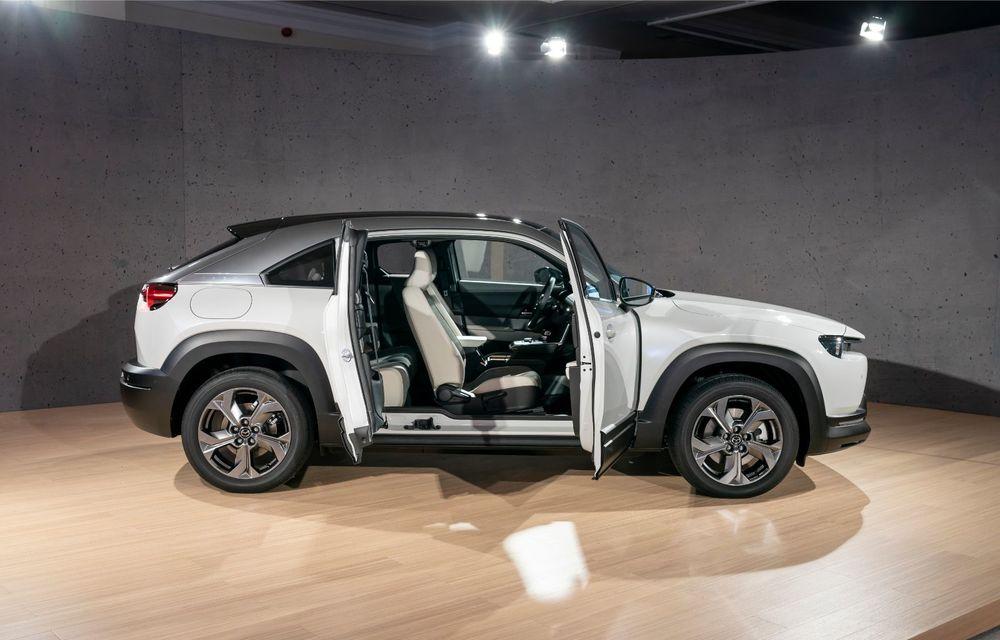 Mazda MX-30 sub lupă: am condus prototipul primului model electric Mazda - Poza 43