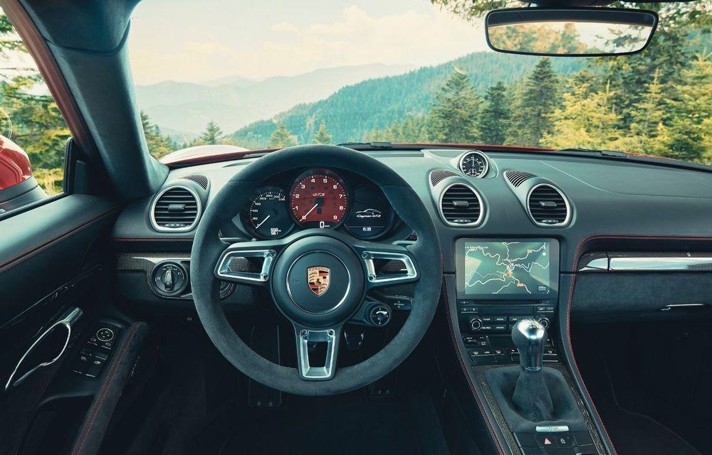 Porsche introduce noile 718 Cayman GTS 4.0 și 718 Boxster GTS 4.0: motor boxer cu șase cilindri și 400 CP - Poza 5