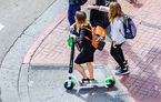 Proiect de lege pentru circulația trotinetelor electrice: interzis pe trotuar, viteză maximă 25 km/h și amenzi de până la 1.160 lei
