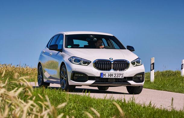 Îmbunătățiri în gama BMW: variante mild-hybrid pentru Seria 3 și X3, versiune nouă pentru Seria 1 și echipamente suplimentare pentru vârfurile de gamă - Poza 1