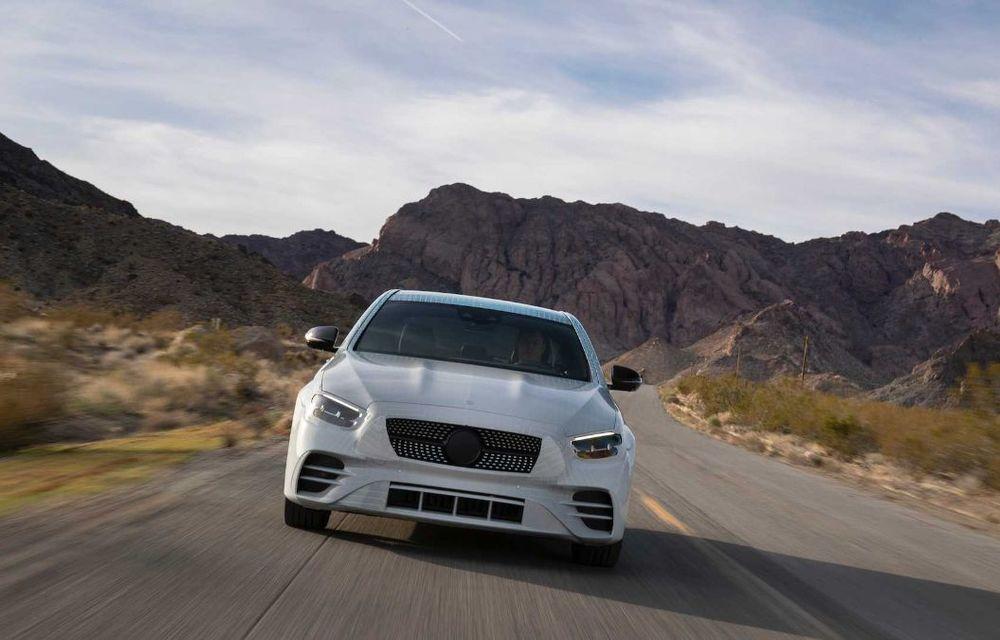 Primele imagini și detalii referitoare la Mercedes-Benz Clasa E facelift: versiuni mild-hybrid și plug-in hybrid, interior îmbunătățit și tehnologii de conducere semi-autonomă - Poza 4