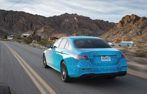 Primele imagini și detalii referitoare la Mercedes-Benz Clasa E facelift: versiuni mild-hybrid și plug-in hybrid, interior îmbunătățit și tehnologii de conducere semi-autonomă - Poza 12