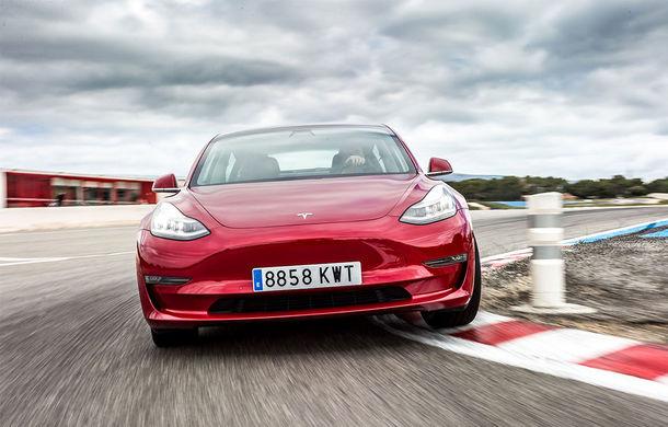 """Tesla anunță obiective ambițioase pentru 2020: """"Vom depăși lejer 500.000 de unități livrate"""" - Poza 1"""