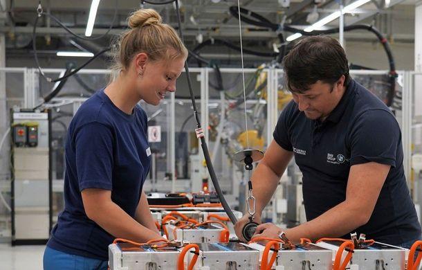 BMW va mări producția la uzina din Dingolfing: nemții vor mai multe motoare și baterii pentru mașini electrice - Poza 1