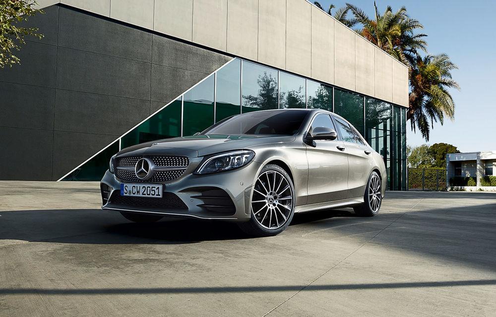 Video. Viitoarea generație Mercedes-Benz Clasa C, surprinsă la Nurburgring: modelul de clasă medie ar putea debuta în cadrul Salonului Auto de la Paris - Poza 1