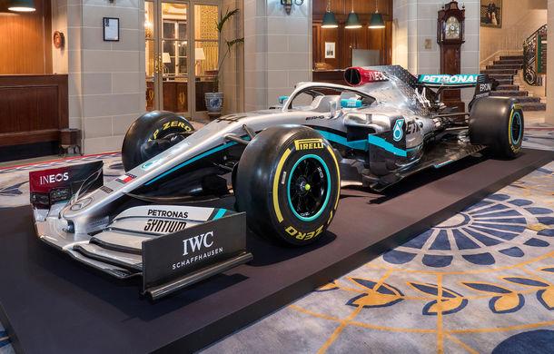 Mercedes a dezvăluit noile culori pentru sezonul 2020 al Formulei 1: monopostul va fi prezentat în 14 februarie - Poza 1