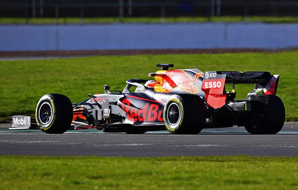 Red Bull a prezentat monopostul pentru sezonul 2020 al Formulei 1: Verstappen a parcurs primele tururi pe circuitul de la Silverstone - Poza 3