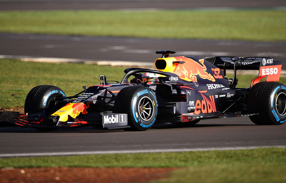 Red Bull a prezentat monopostul pentru sezonul 2020 al Formulei 1: Verstappen a parcurs primele tururi pe circuitul de la Silverstone - Poza 2
