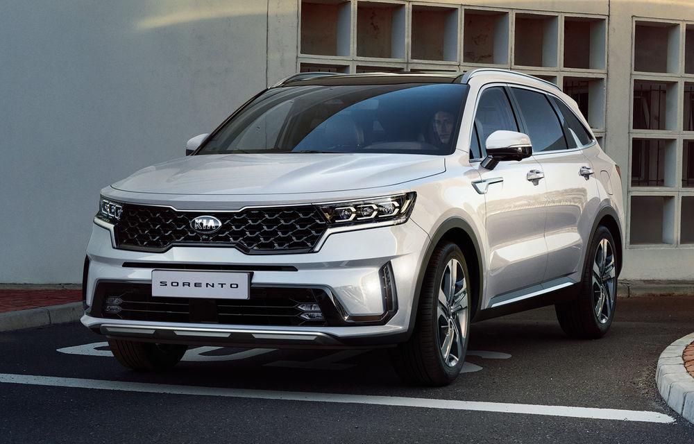 Primele imagini cu noua generație Kia Sorento: SUV-ul primește îmbunătățiri de design și versiune plug-in hybrid de 265 de cai putere - Poza 1
