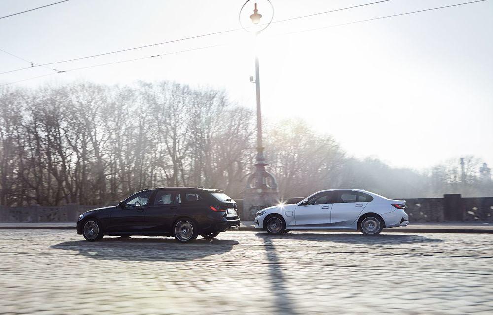BMW lansează o versiune plug-in hybrid pentru Seria 3 Touring: putere totală de până la 292 de cai și autonomie electrică de 65 de kilometri - Poza 5