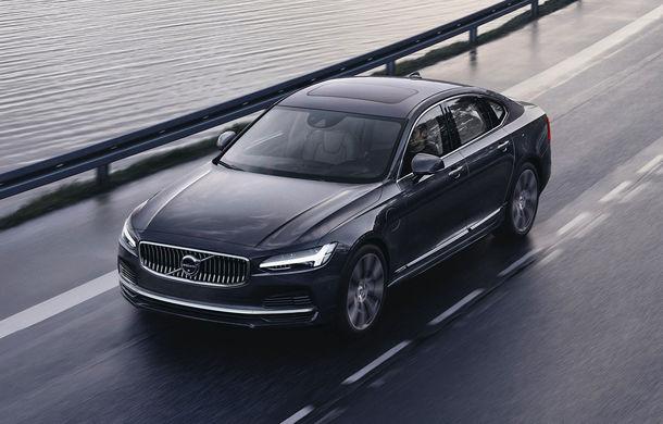 Primele imagini cu Volvo S90 și V90 facelift: modelele primesc în premieră versiuni mild-hybrid - Poza 1