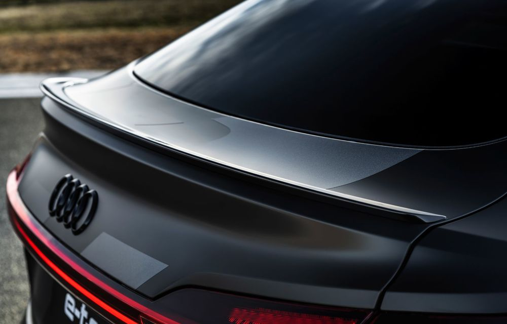 Audi e-tron S și e-tron S Sportback: versiunile de performanță au trei motoare electrice și până la 503 CP - Poza 13