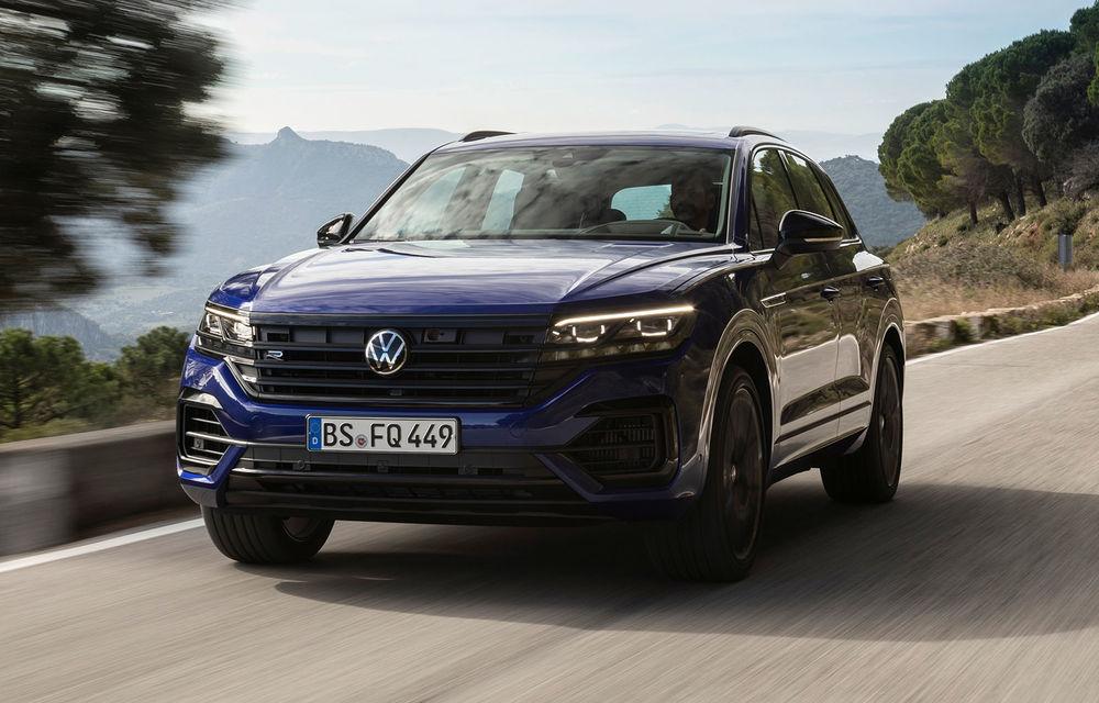 Volkswagen a prezentat noul Touareg R: primul model plug-in hybrid din gama de performanță a constructorului german are 462 CP - Poza 1