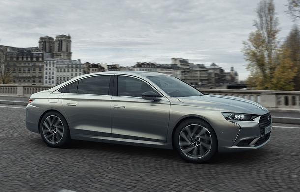 Primele imagini și informații oficiale pentru DS 9: sedanul de lux are o variantă pe benzină de 225 CP și trei versiuni plug-in hybrid de până la 360 CP - Poza 1