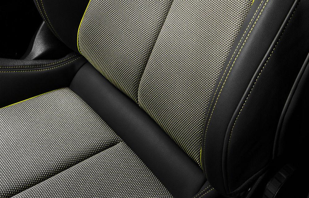 Viitorul Audi A3 va putea fi comandat cu tapițerie produsă din sticle de plastic reciclate: noua generație a modelului german debutează la Geneva - Poza 1